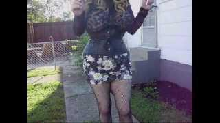 Crossdresser Lacy's Looks