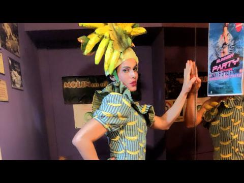 "Valentine Vidal performing "" I'm going bananas "" - Madonna (drag Queen show)"