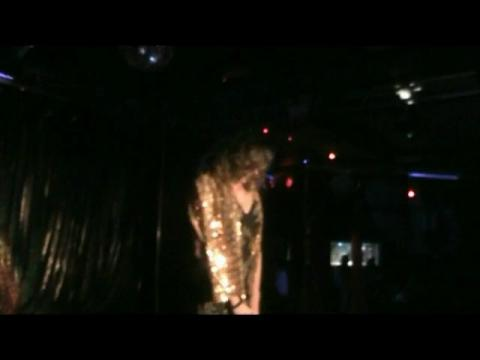 Valentine performing -Oronero-Giorgia