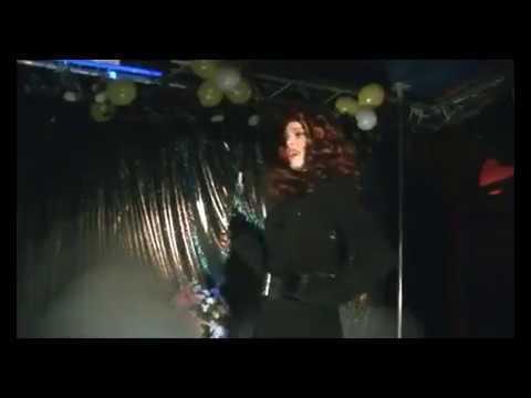"Valentine Vidal performing ""Uomini Addosso"" di Milva - drag queen show"