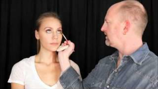 Pink&Chocolate Smokey Eye - A Makeup Tutorial Video With Robert Jones