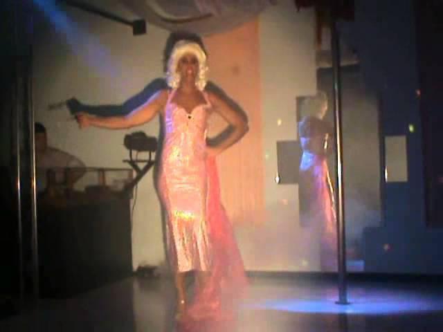 "Valentine ""mon menage a moi"" sexy drag show by travcompany"