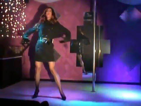 """Valentine performing """"Uomini Addosso"""" - Milva (drag queen show)"""