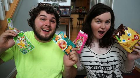 AMERICANS TRY WEIRD JAPANESE SNACKS! Ft. My Boyfriend! (Taste Test)