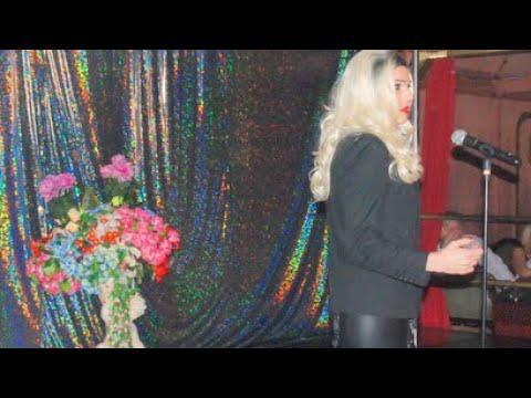 Valentine Vidal performing