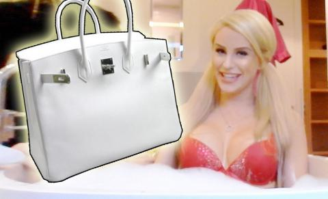 WHAT'S IN MY BIRKIN? | Gigi