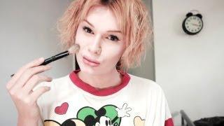 Facial Feminization Makeup: Natural Feminine Makeup